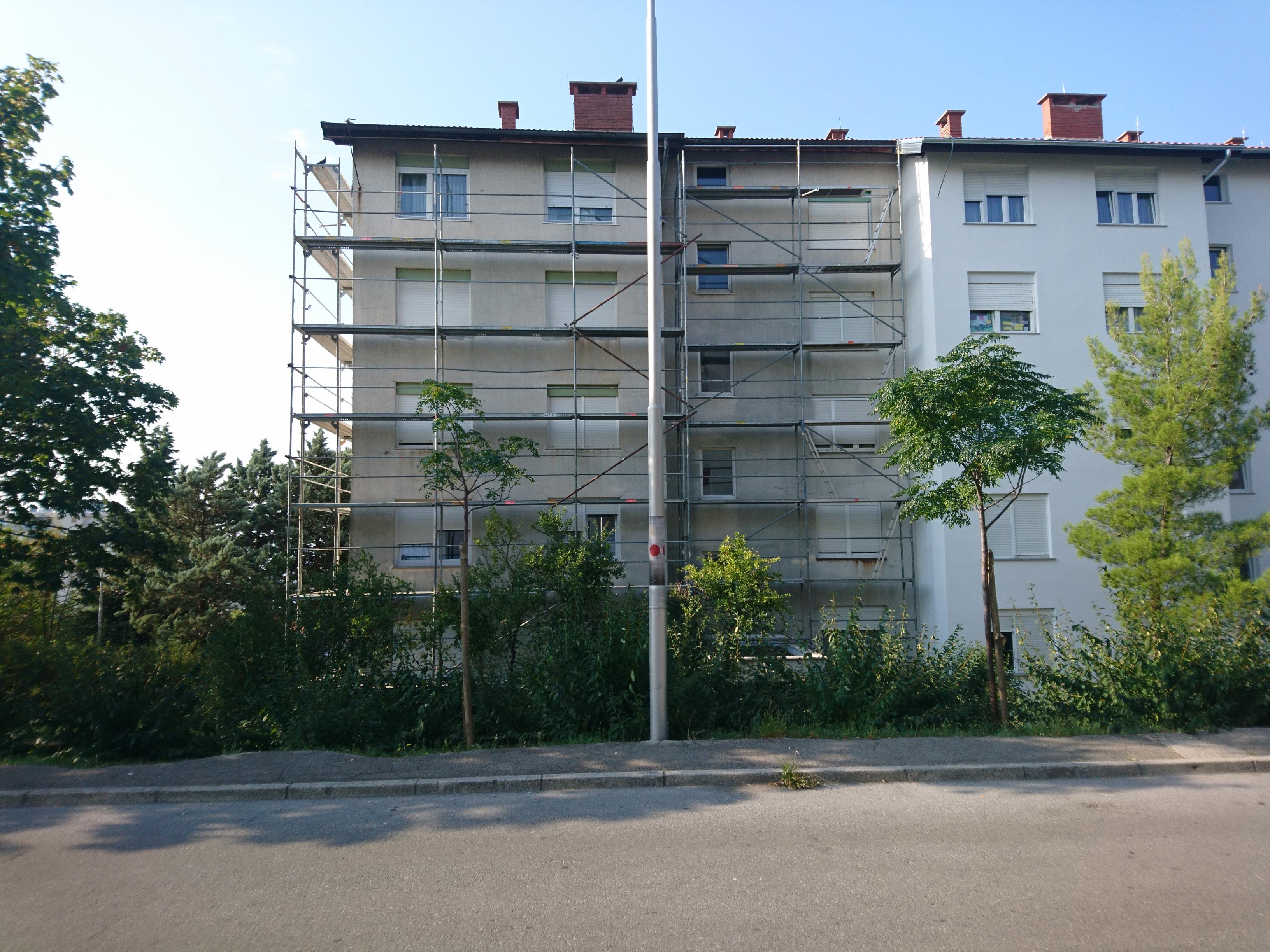 U tijeku je obnova fasade na adresi Branimira Markovića 22 u Rijeci (Podmurvice)