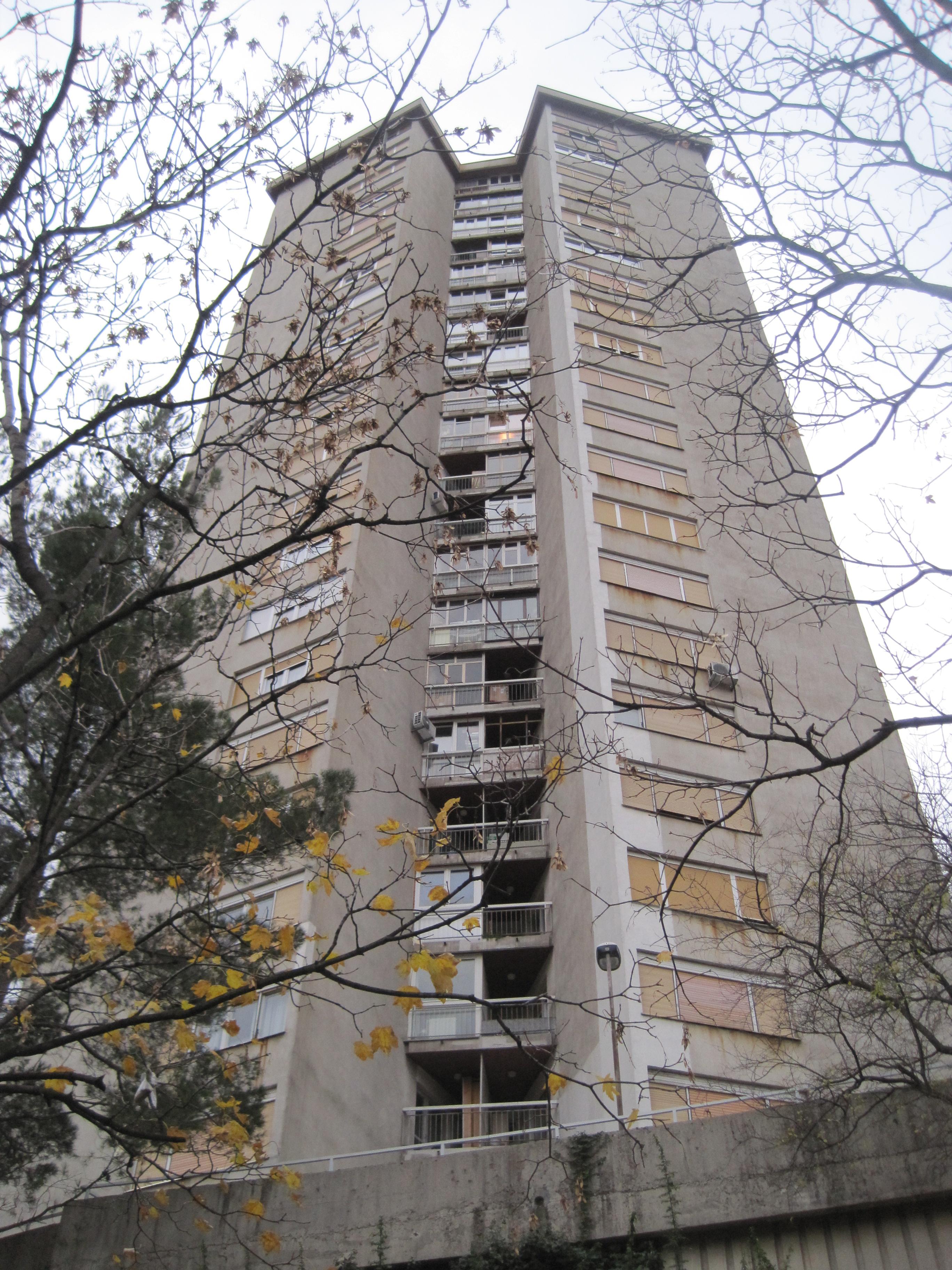 Postavljena je nova hidrostanica u neboder na adresi Ante Kovačića 20 u Rijeci (Kozala)